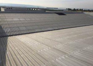 Rénovation d'une toiture en tôles ondulées par LGC Métal