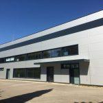 Rénovation d'une façade en panneaux sandwich par LGC Métal